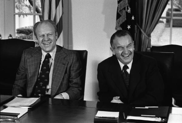 Meeting with Joint Chiefs of Staff and Secretary of Defense to Discuss the 1977 Budget of the US (7)